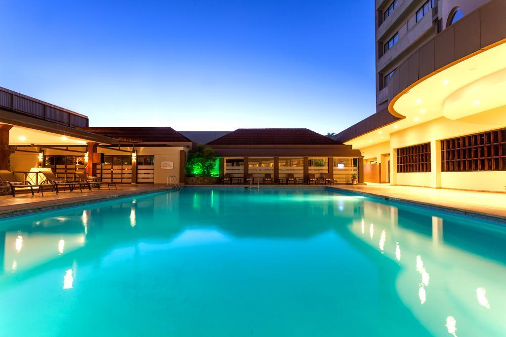 crowne-plaza-san-jose-piscina